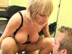 This mature English muff gets a warm creampie