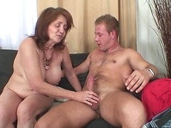 The cum guzzling old babe wants his load on her face after they have amazing sex
