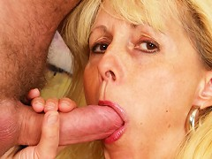 Aging MILF opens up her well worn cunt for some cock!